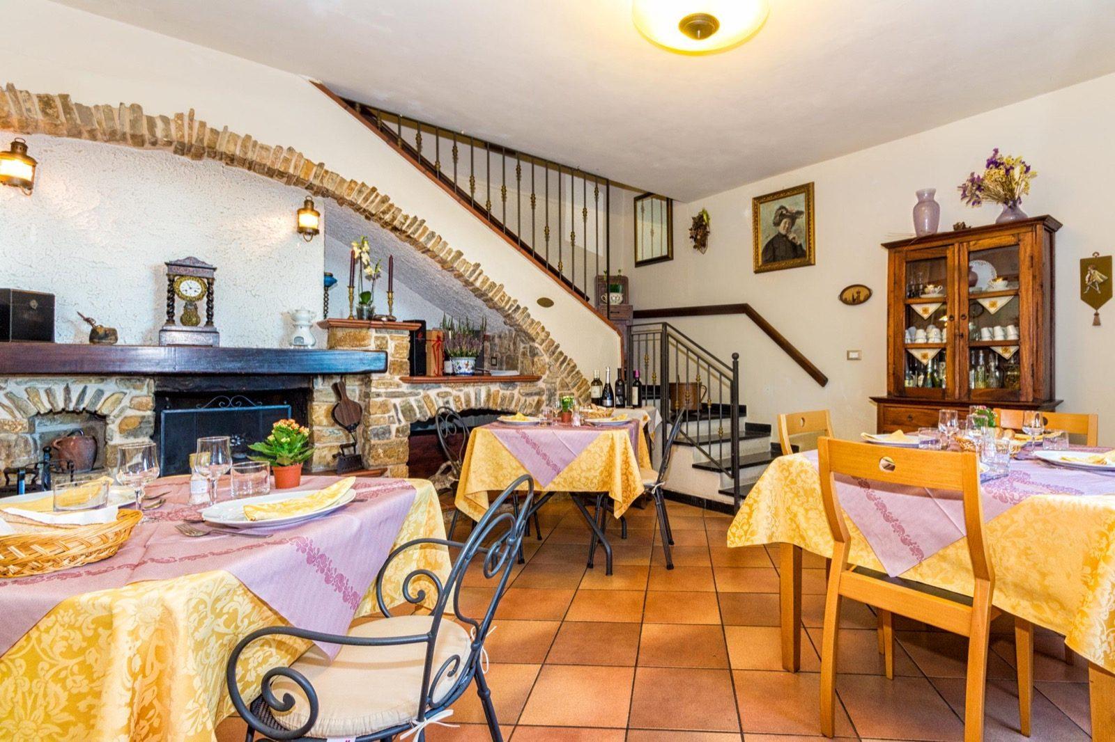 Dettaglio sala ristorante Le Navi in Cielo