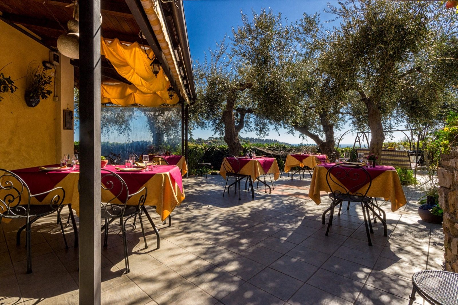 Panorama ristorante in esterna